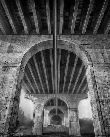 """2017-02-03 - Honorable Mention - B&W Competition - """"Giant Arch"""""""